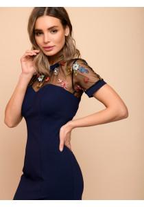 Платье-футляр темно-синее с отделкой фатином и короткими рукавами