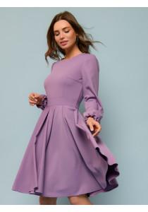 Платье сиреневого цвета с длинными рукавами