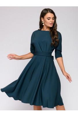Платье цвета изумруд длины миди с защипами на талии