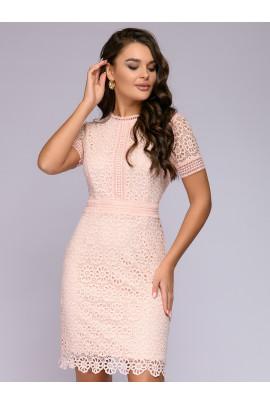 Платье персикового цвета кружевное с короткими рукавами